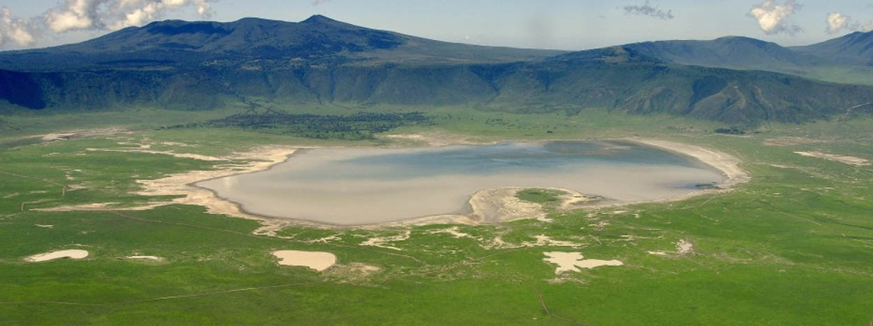 http://www.wheretosafari.com/wp-content/uploads/2016/09/Ngorongoro.jpg